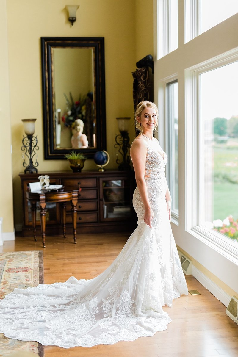 14-Wisconsin-Classic-Country-Club-Catholic-Wedding-James-Stokes-Photography