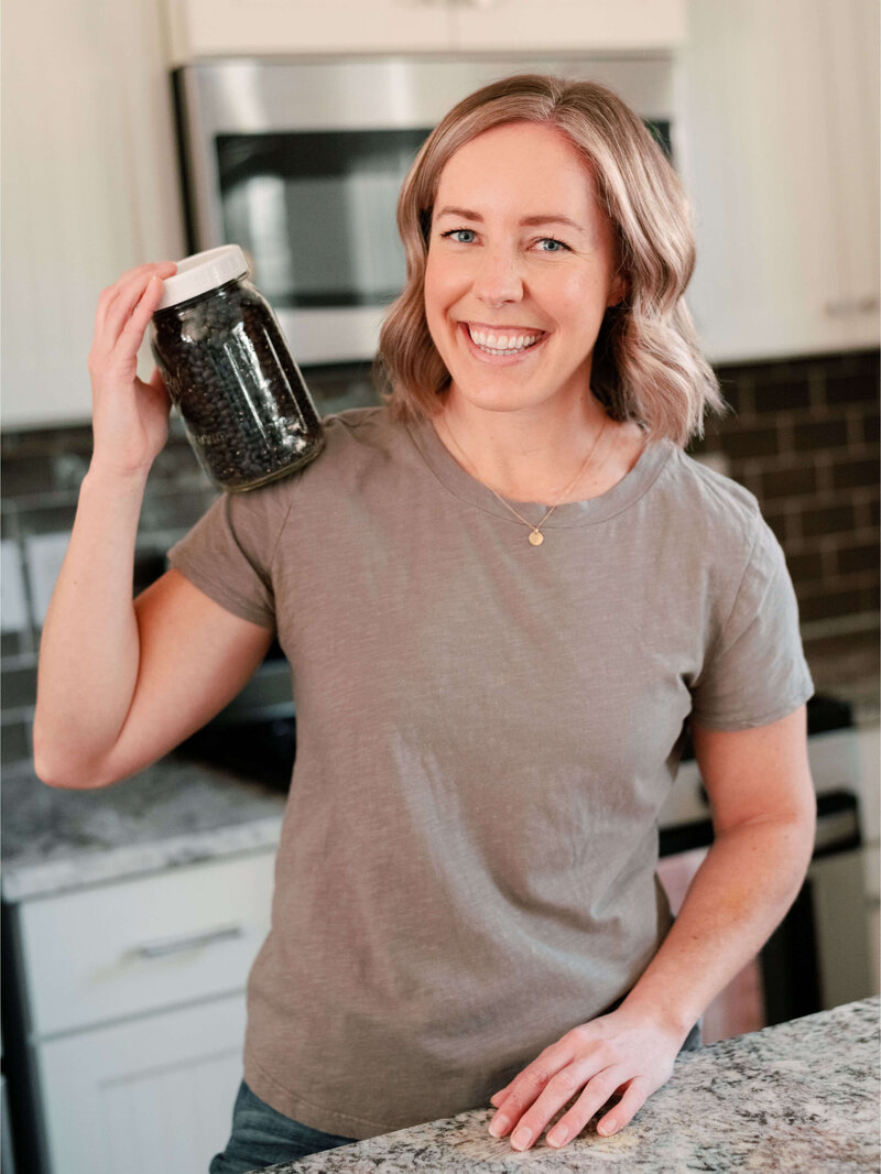 Ashley Kitchens is a certified plant based nutritionist who offers online one-on-one and group coaching.