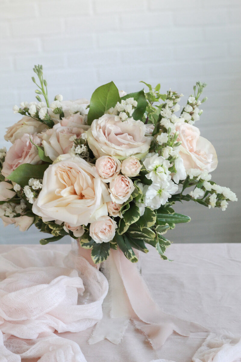 florist-greenwich-new-york-connecticut-designer-preservation-floral-wedding-westchester-bouquet-cream-blush-25