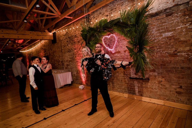 rhinegeist-neon-pink-tropical-wedding-154