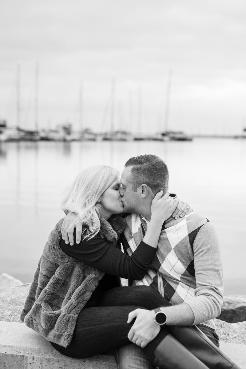 milwaukee-beach-engagement-marina-the-paper-elephant