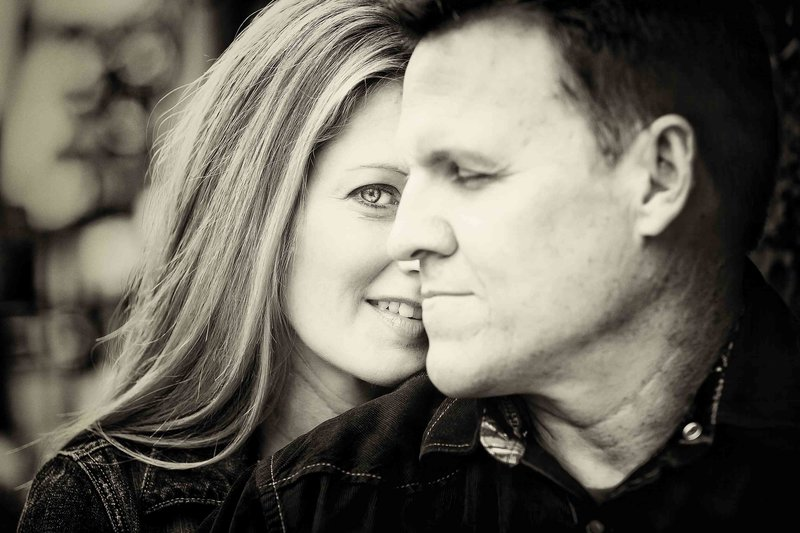 Husband-Wife-In-Love-Family-Portrait-in-Charleston-SC-by-Fia-Forever-Photography-761A4455-Sig-5411-Sig-5413-Sig-5414-Sig-5415-Sig-5416-Sig-5612