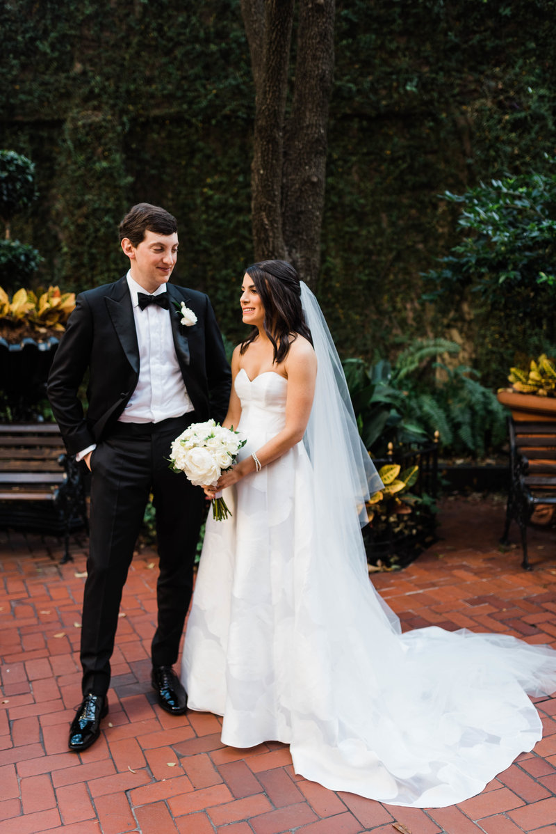Anna + Aaron-New-Orleans-Museum-of-Art-Wedding_Gabby Chapin Photography_00218