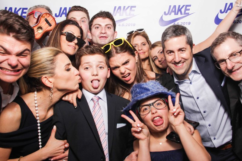 bat-mitzvah-Philadelphia-photo-booths