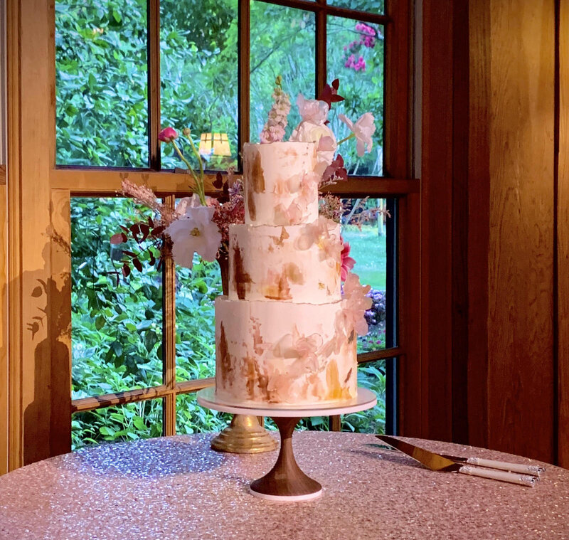 LOS GATOS DJ - Cake Spotlights and Amber Uplights @ Nestldown Wedding 2019 copy