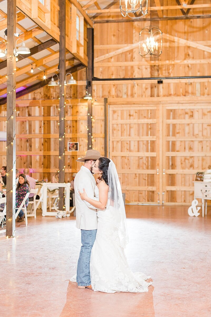 Austin-Texas-Barn-Wedding45