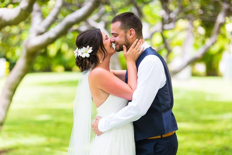 snohomish wedding photography travels to maui to capture a bride and groom