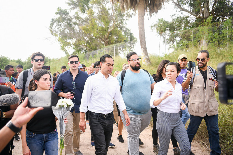 Julian Castro 2020 democratic primary walking with voters