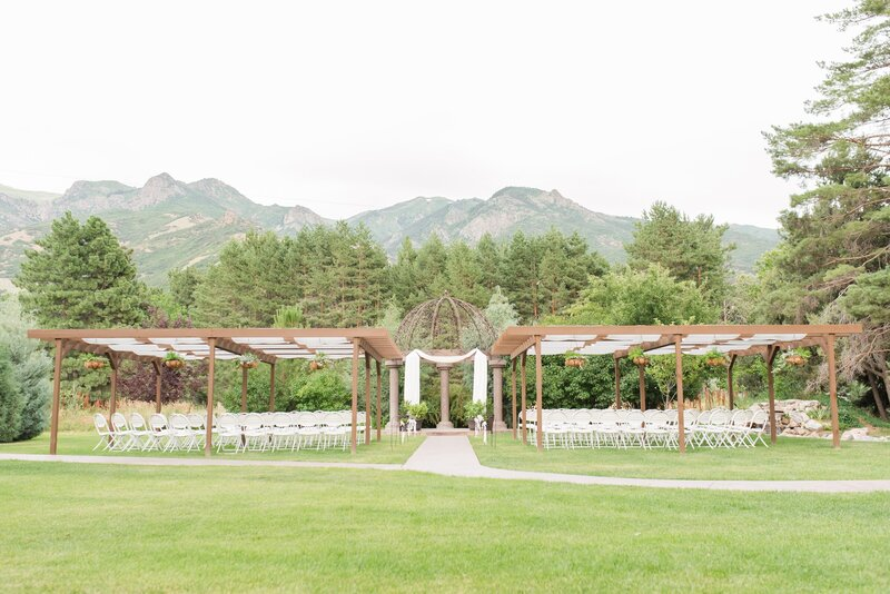 Garden Ceremony site at Oak Hills with view of the mountains
