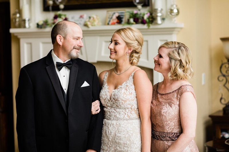 17-Wisconsin-Classic-Country-Club-Catholic-Wedding-James-Stokes-Photography