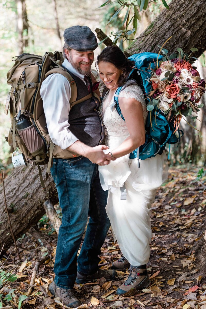 Photographer-for-Southeast-hiking-adventure-elopements