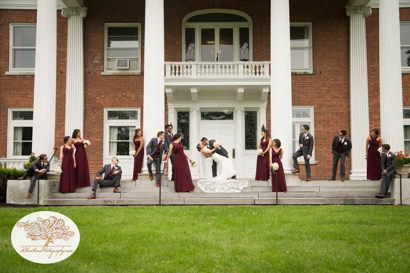 Belhurst Castle Pictures Geneva NY Syracuse Wedding Photographer-42