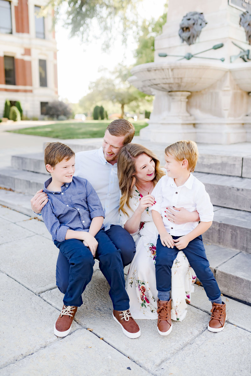 Indiana Family Photographer In Downtown Franklin _000