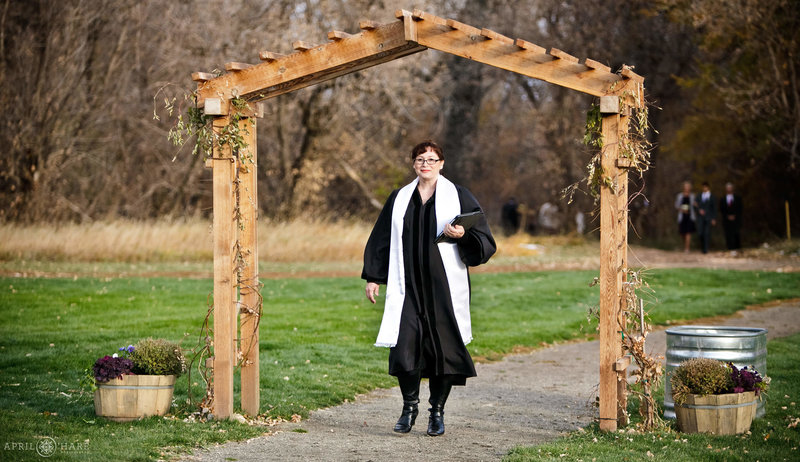 Colorado-Wedding-Officiant-Reverend-Kim-Tavendale-3