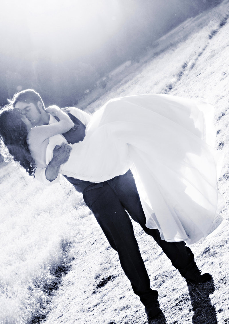 black and white bride and groom, country wedding  romantic