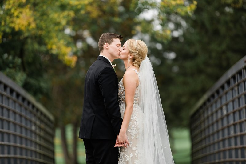 65-Wisconsin-Classic-Country-Club-Catholic-Wedding-James-Stokes-Photography