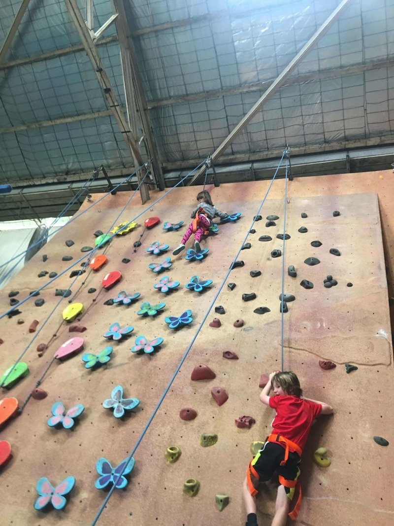 Active Arts_rockclimbing