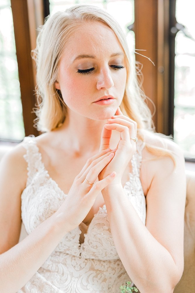 Rollins-Mansion-Des-Moines-French-Bridal-Iowa-Wedding-Photographer_0002