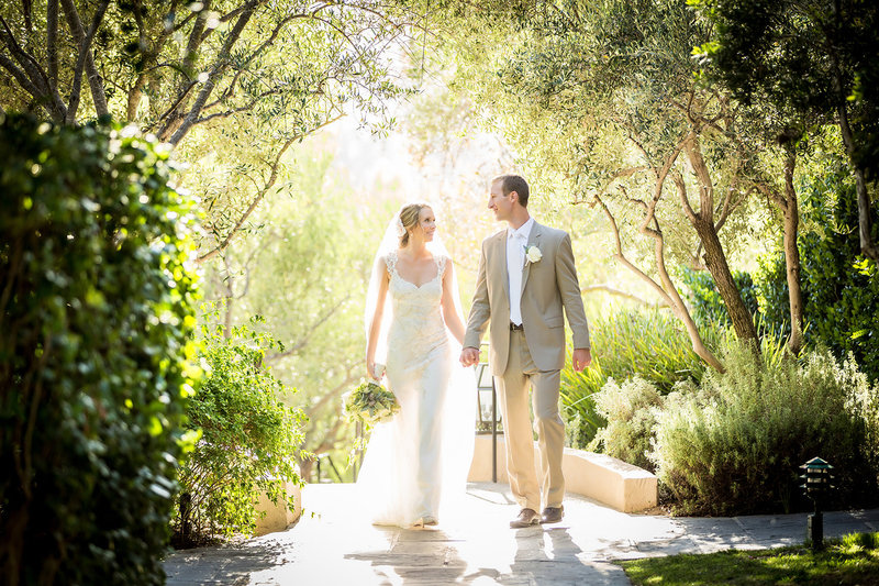 Rancho Bernardo Inn wedding photos outdoor beautiful trees