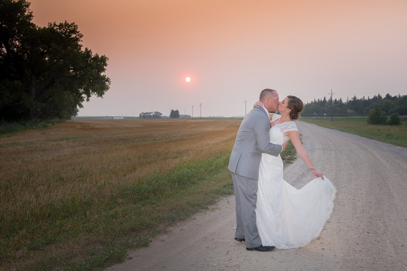 Romantic Moon Wedding Venue by Fargo Photos by Kris Kandel photographers (14)