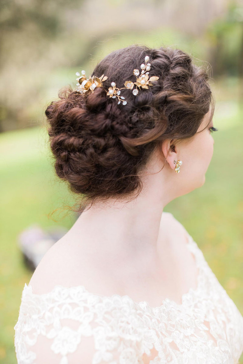 Bride with flowery hairpiece