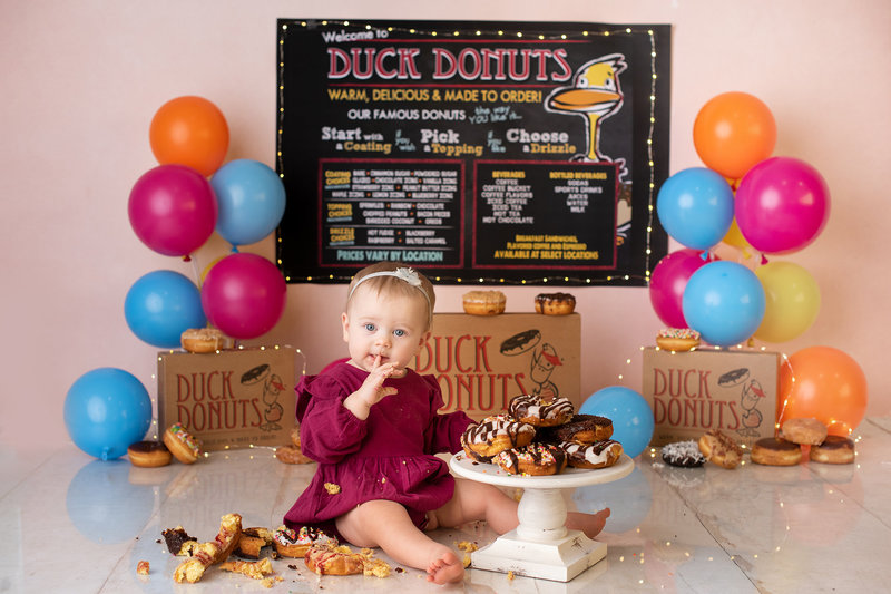 columbus ohio cake smash photographer donut grow up duck donuts first birthday amanda estep photography