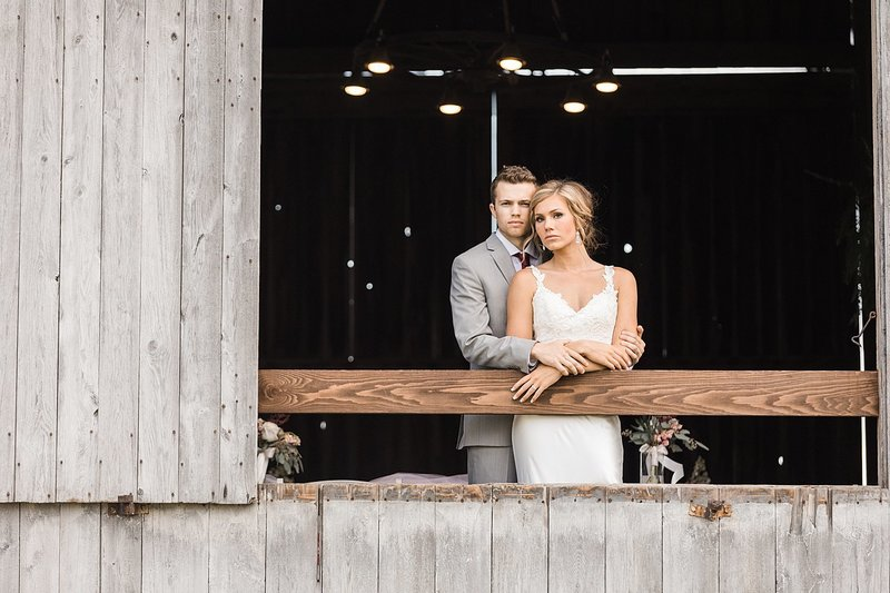144_Midwest-Barn-Wedding-Venues-James-Stokes-Photography
