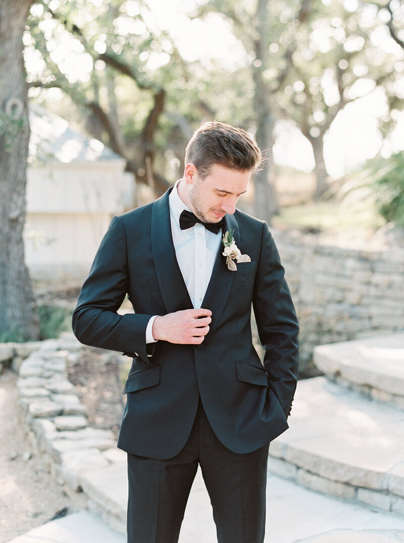Brianna Chacon + Michael Small Wedding_The Ivory Oak_Madeline Trent Photography_0030