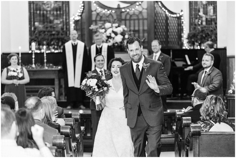 inman-park-methodist-church-upstairs-atlanta-wedding-photographer-christmas-wedding-laura-barnes-photo-043