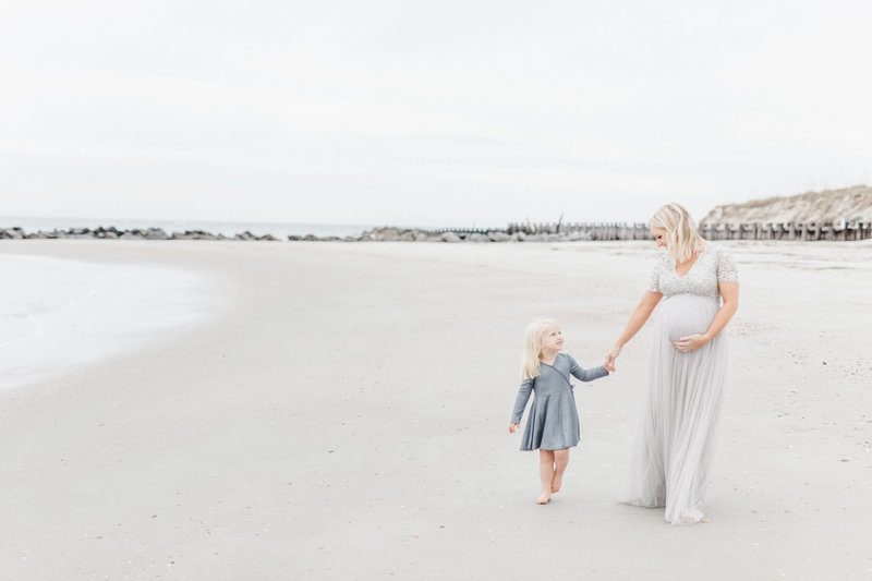 Folly Beach Maternity Photoshoot with Charleston Newborn Photographer, Laura Ryan Photography