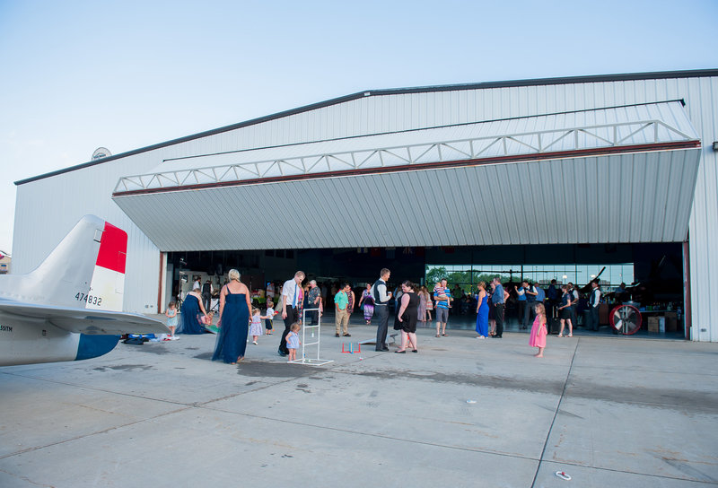 Fargo Air Museum Wedding Venue Kris Kandel Photographers (14)