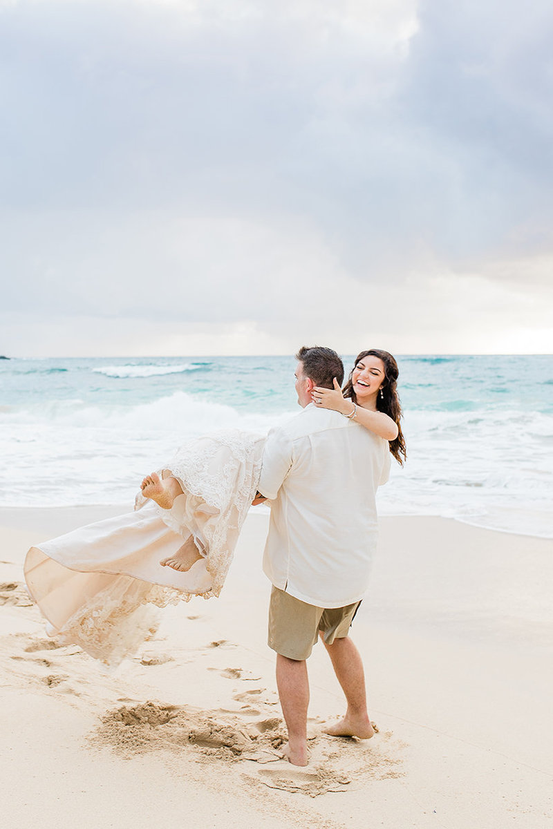 adventurous wedding photography in hawaii