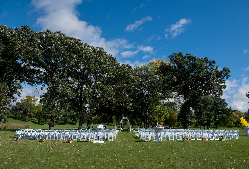 Oxbow Country Club Fargo Wedding Venue photographer Kris Kandel (11)