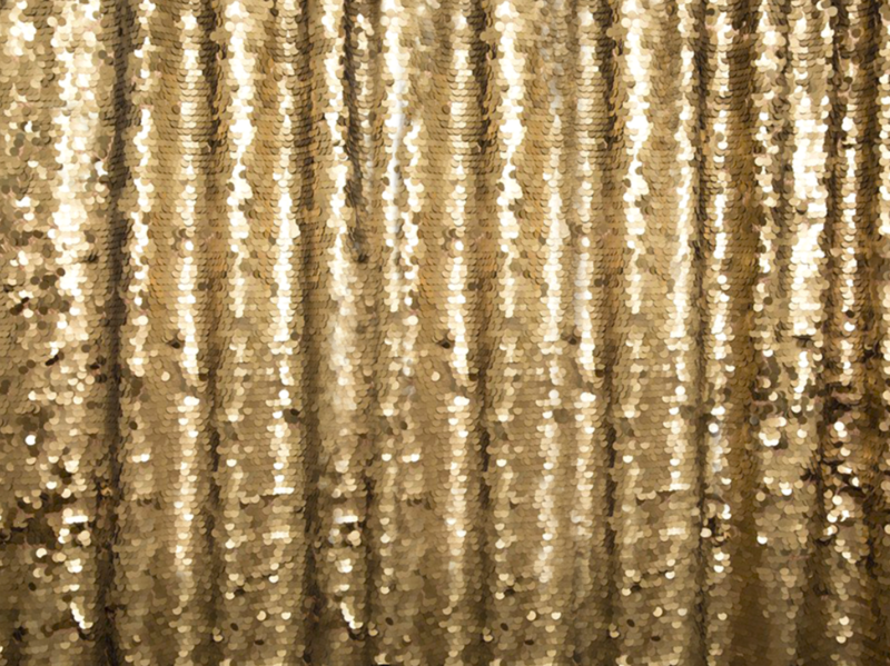 Gold-Sequin-Backdrops-BananaWhoBooth