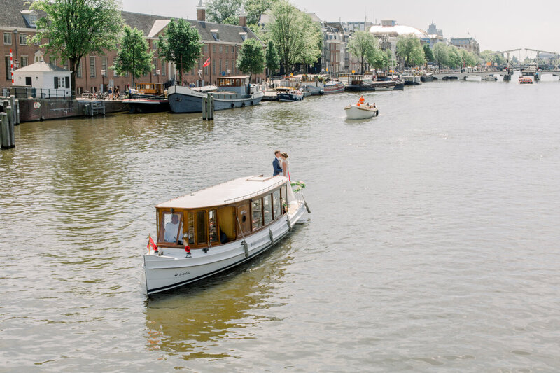 Wedding on a boat in Amsterdam for a photo shoot organized by Lovely & Planned
