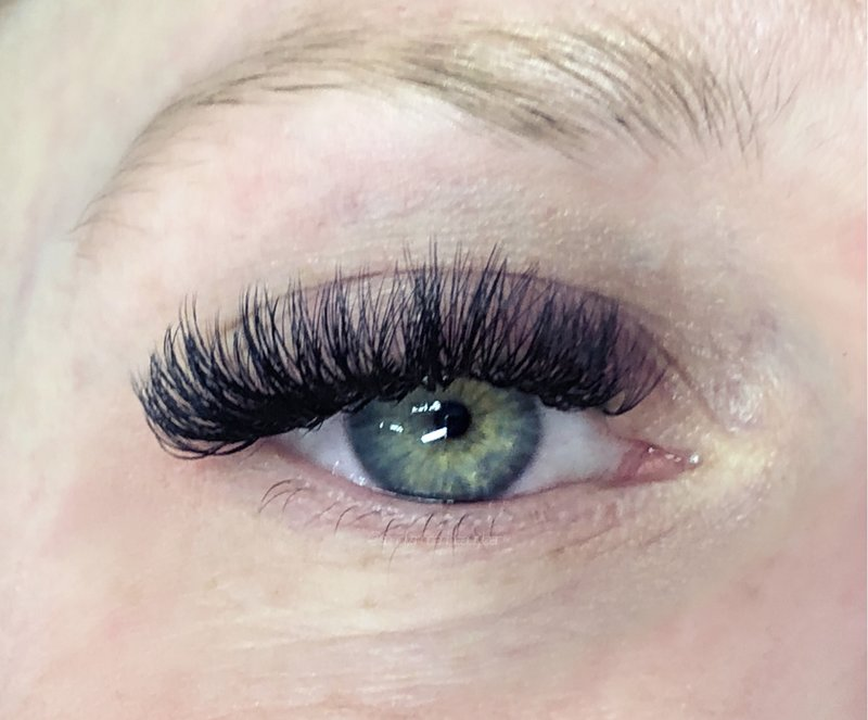 west ashley dense volume lashes