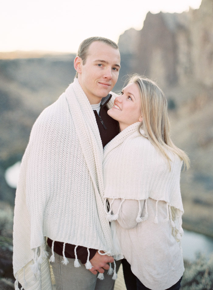 smith-rock-engagement-photographer-jeanni-dunagan-4