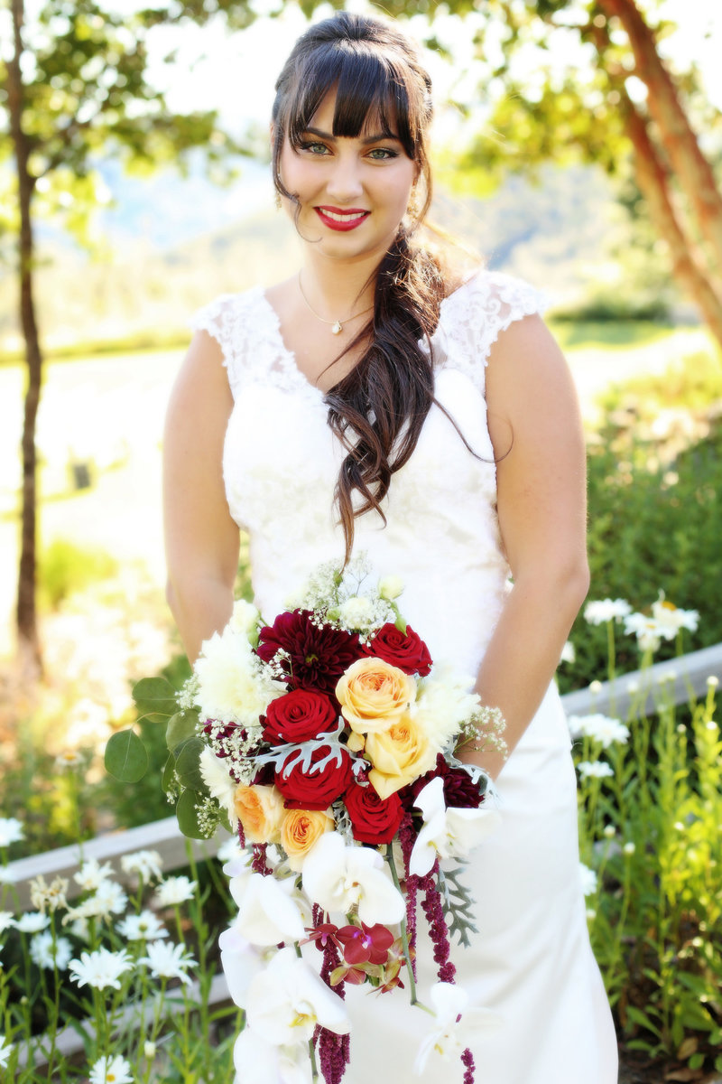 bride with red boquet, bride