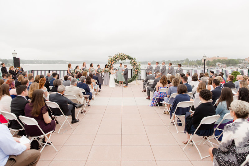 Outdoor wedding ceremony at Molly Pitcher Inn