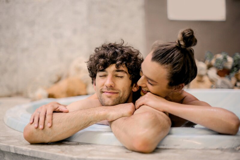 man-and-woman-on-bathtub-3767403