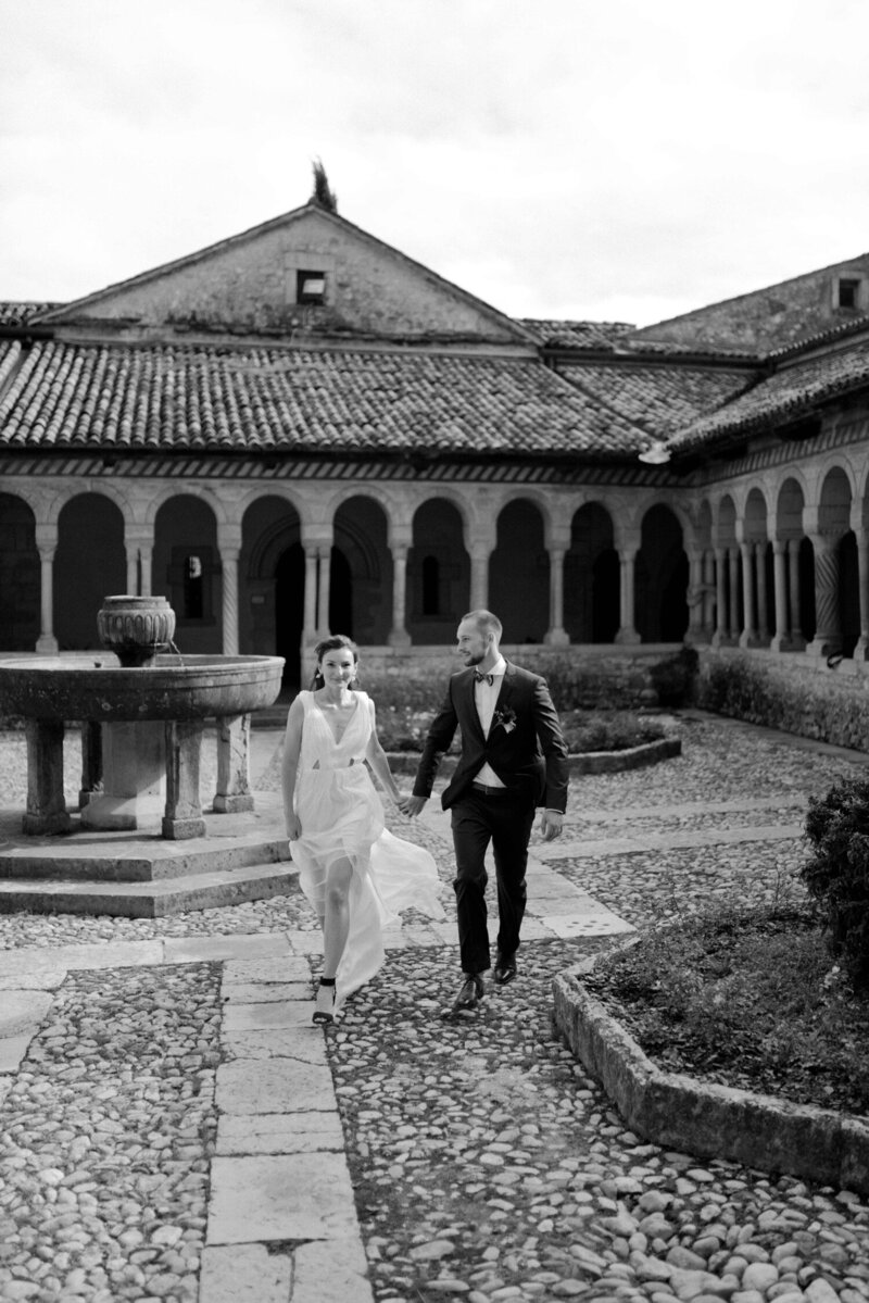 058_Italy_Luxury_Wedding_Photographer (122 von 302)_Flora and Grace is a luxury wedding at photographer in Italy. Discover this luxury wedding in a Fine Art style  at Locanda Rosa Rosae.