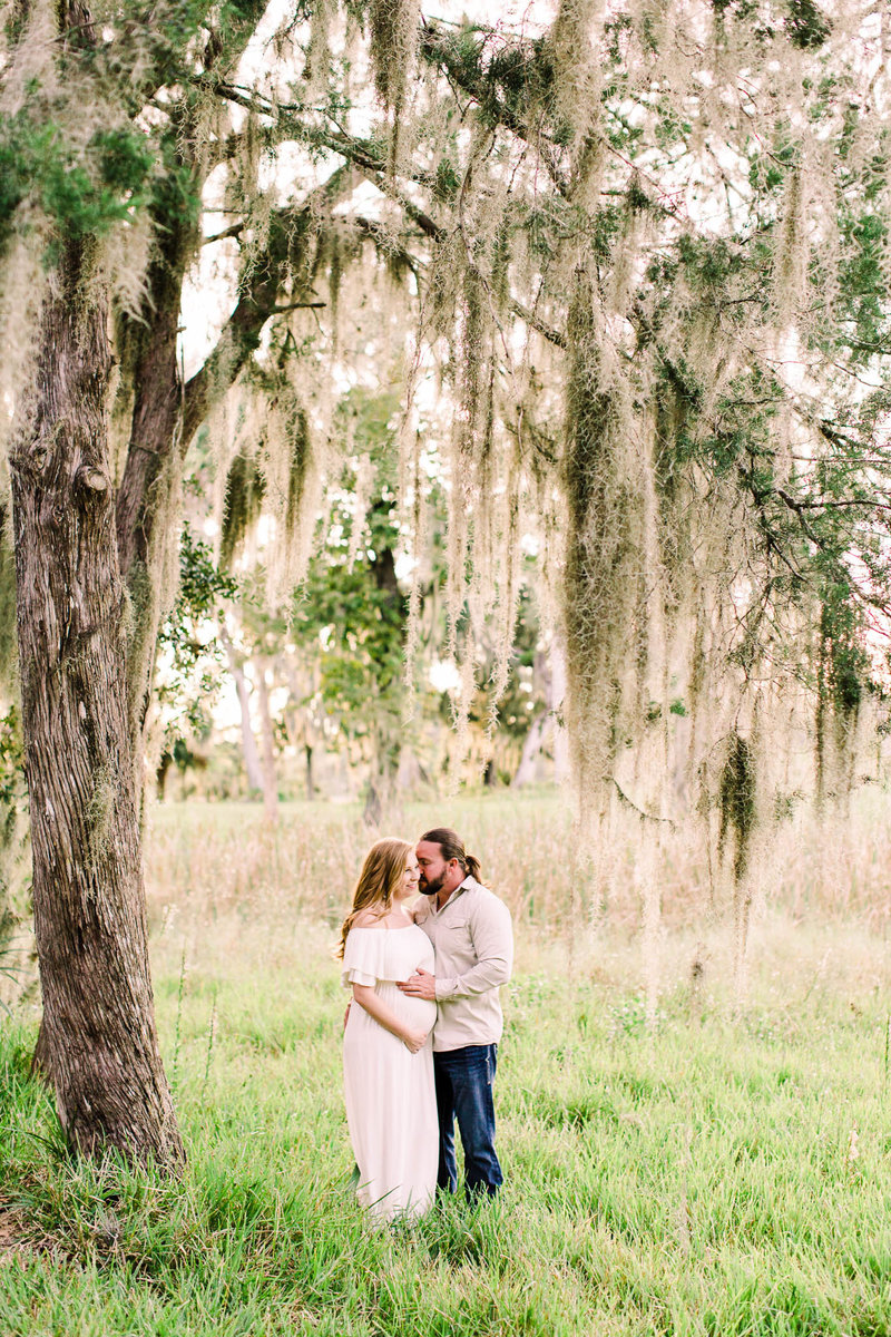 Oak tree maternity session in Crystal River
