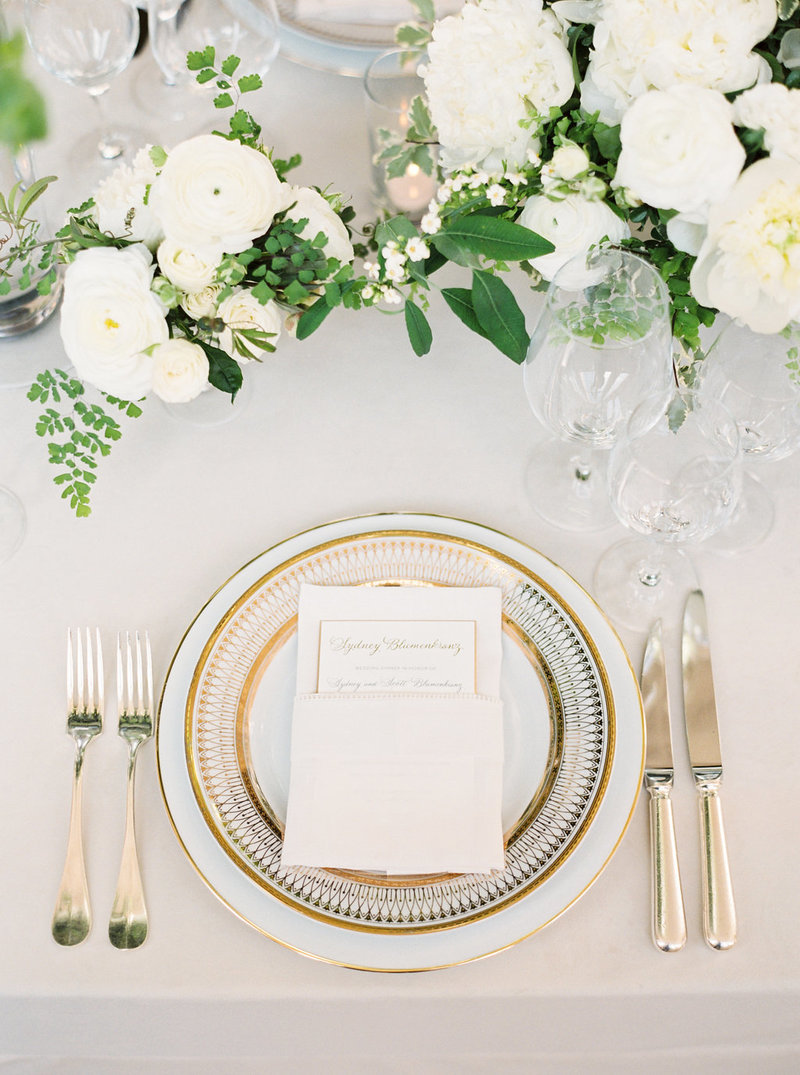 Tablescape for wedding by Jenny Schneider Events at the San Francisco City Hall. Photo by Larissa Cleveland Photography.