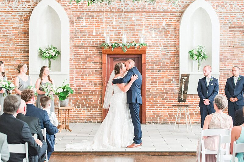Wilmington-NC-Saint-Thomas-Preservation-Hall-Wedding27