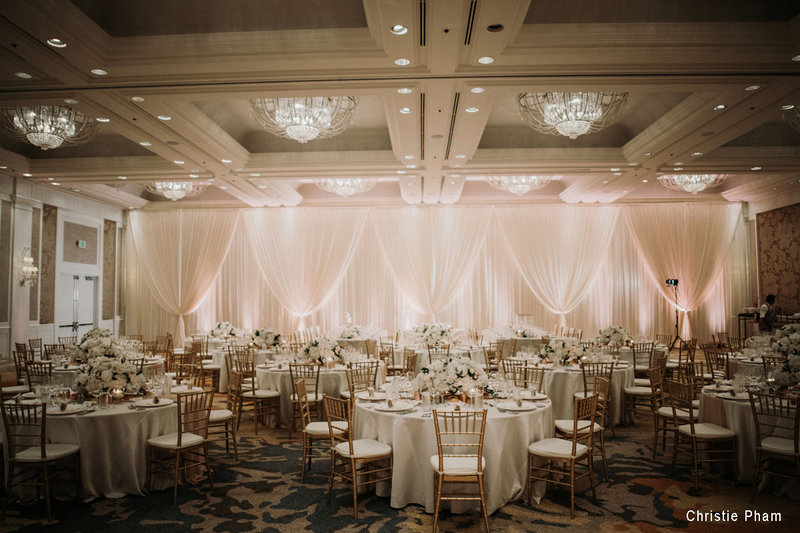Gold chiavari chairs1