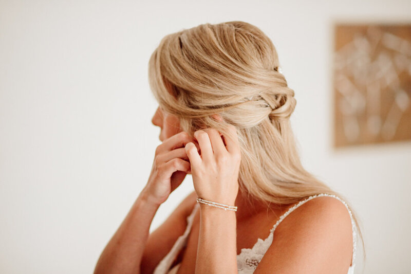 bride-getting-ready-photo