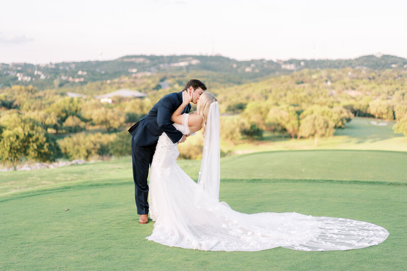 Omni-Barton-Creek-Resort-Wedding37