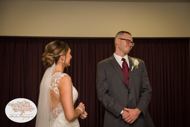 Belhurst Castle Pictures Geneva NY Syracuse Wedding Photographer-16