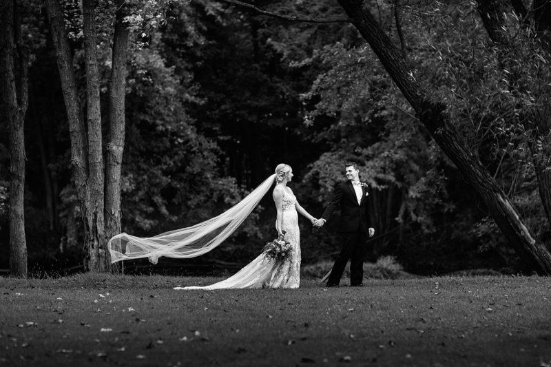 76-Wisconsin-Classic-Country-Club-Catholic-Wedding-James-Stokes-Photography