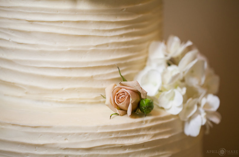 Blue-Moon-Bakery-Dillon-Colorado-Wedding-Cake-Bakery-Colorado-Wedding-Vendor-Directory-2